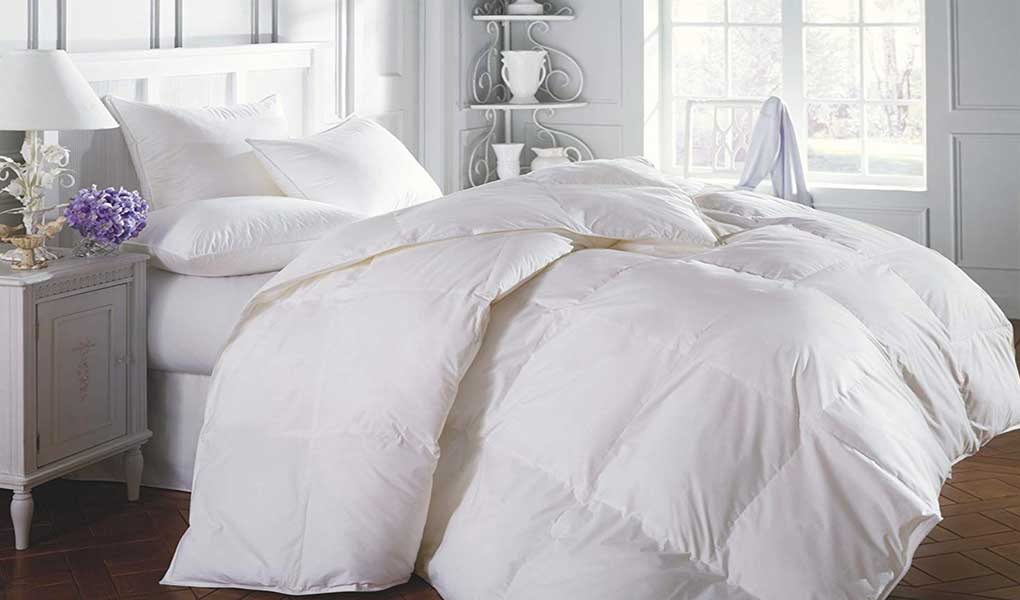 Superior Solid White Down Alternative Comforter Review 2020