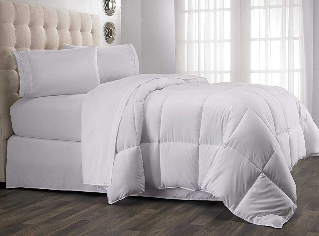 Hanna kay Year Round Down Alternative Comforter